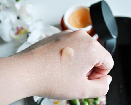 The Body Shop Vitamin C moisturiser 2